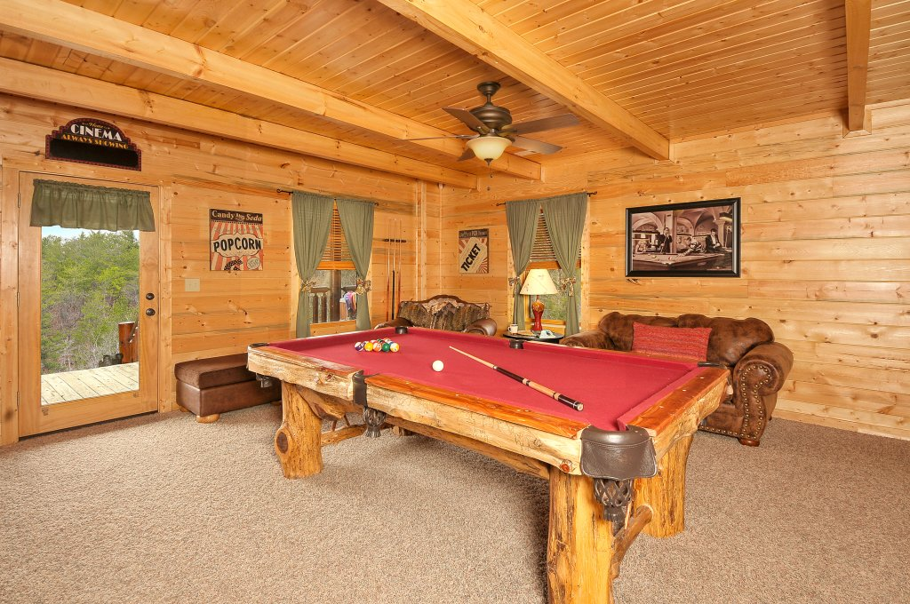 Photo of a Sevierville Cabin named Majestic Sunset Lodge - This is the thirty-fifth photo in the set.