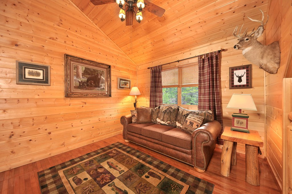 Photo of a Sevierville Cabin named Majestic Sunset Lodge - This is the thirty-third photo in the set.