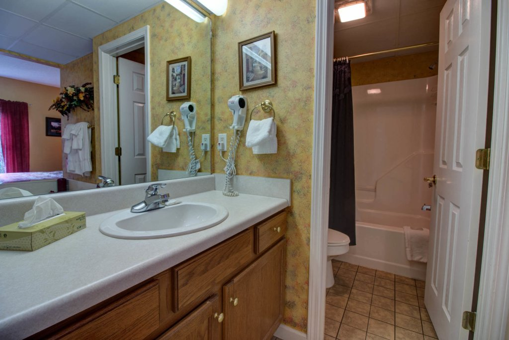 Photo of a Pigeon Forge Condo named Whispering Pines 333 - This is the twenty-ninth photo in the set.