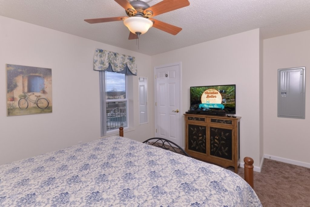 Photo of a Pigeon Forge Condo named Whispering Pines 653 - This is the eighth photo in the set.