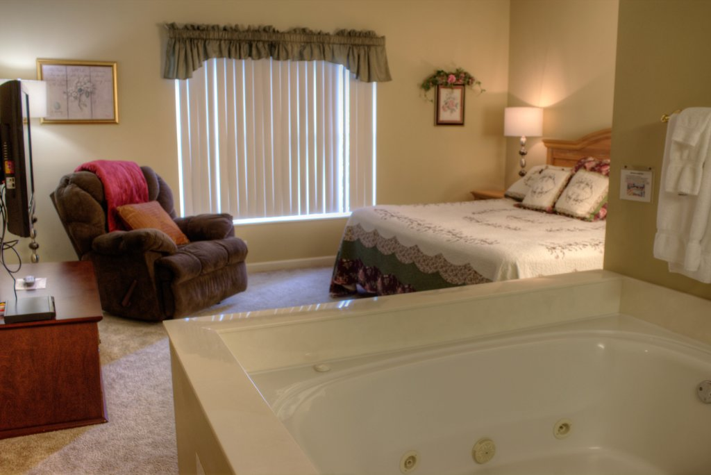 Photo of a Pigeon Forge Condo named Whispering Pines 334 - This is the twenty-third photo in the set.