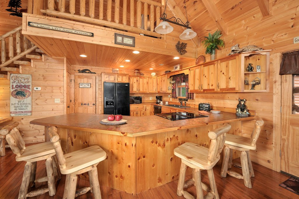 Photo of a Sevierville Cabin named Majestic Sunset Lodge - This is the seventh photo in the set.