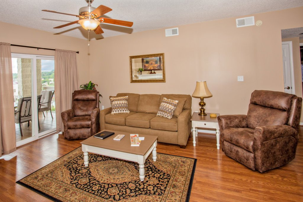 Photo of a Pigeon Forge Condo named Whispering Pines 102hc - This is the second photo in the set.
