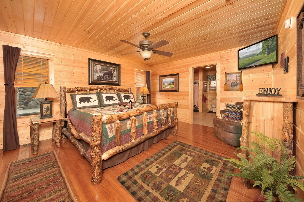Photo of a Sevierville Cabin named Majestic Sunset Lodge - This is the twenty-first photo in the set.