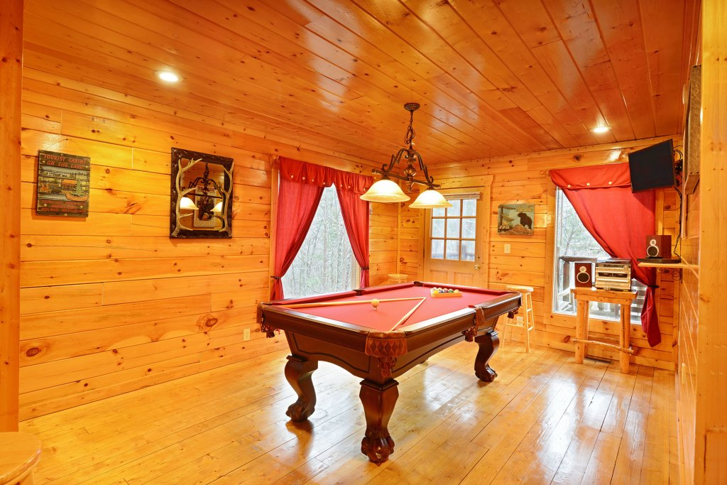 Photo of a Gatlinburg Cabin named Mountain Paradise #295 - This is the tenth photo in the set.
