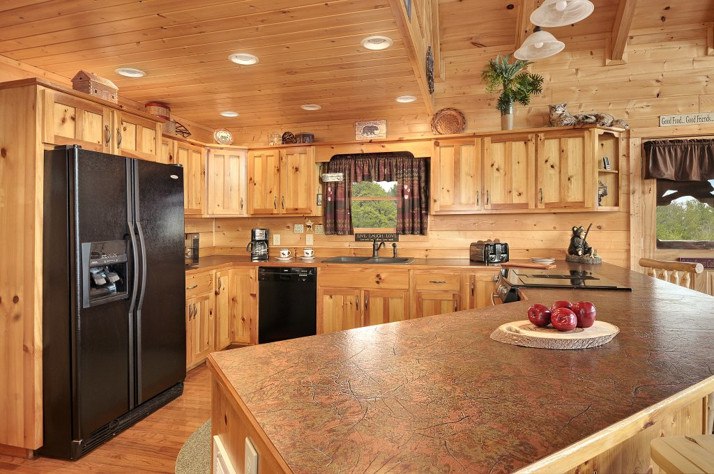 Photo of a Sevierville Cabin named Majestic Sunset Lodge - This is the sixth photo in the set.