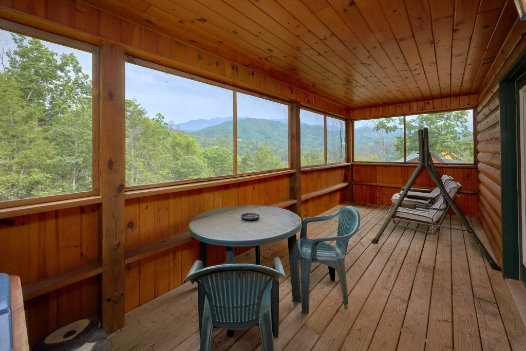 Photo of a Gatlinburg Cabin named Inspiration Point - This is the fifth photo in the set.