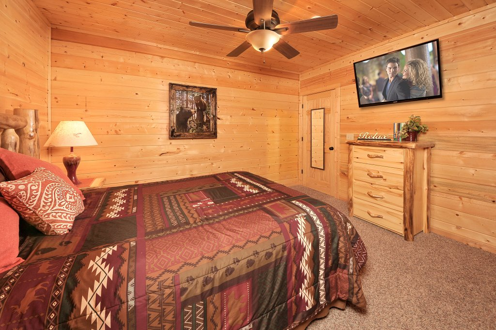 Photo of a Sevierville Cabin named Majestic Sunset Lodge - This is the thirty-seventh photo in the set.
