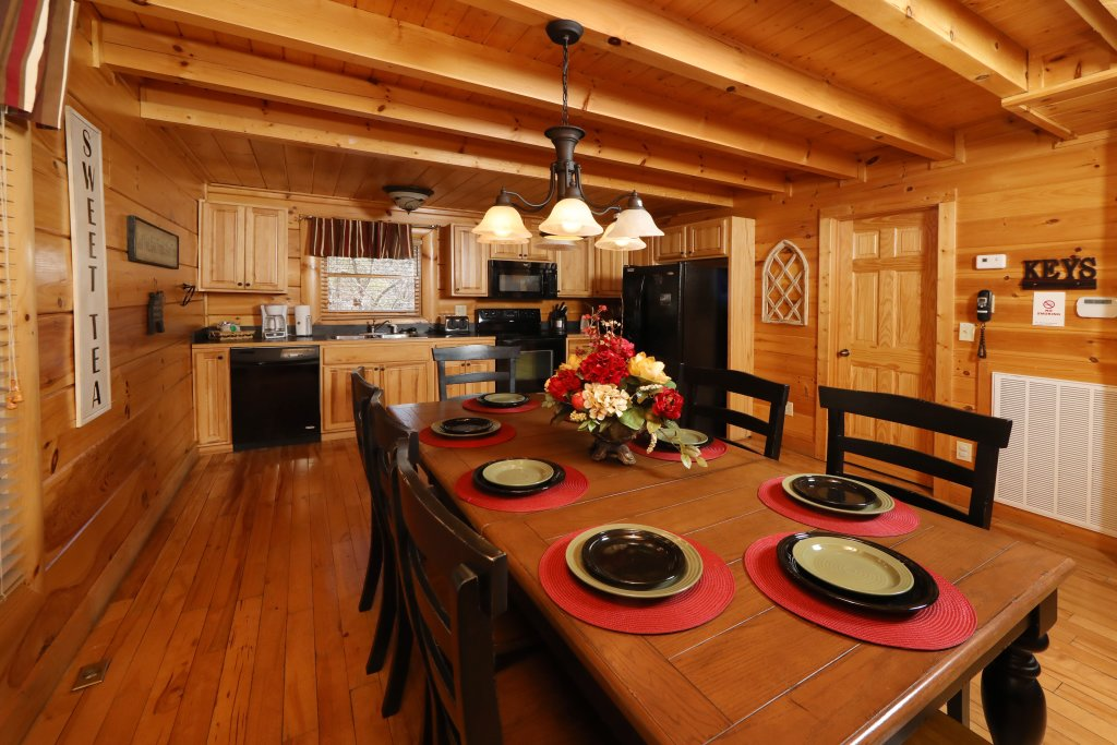 Photo of a Pigeon Forge Cabin named Mountain Blessings - This is the fortieth photo in the set.