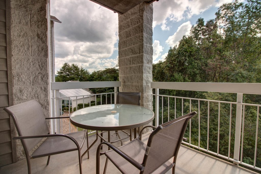 Photo of a Pigeon Forge Condo named Whispering Pines 333 - This is the twelfth photo in the set.