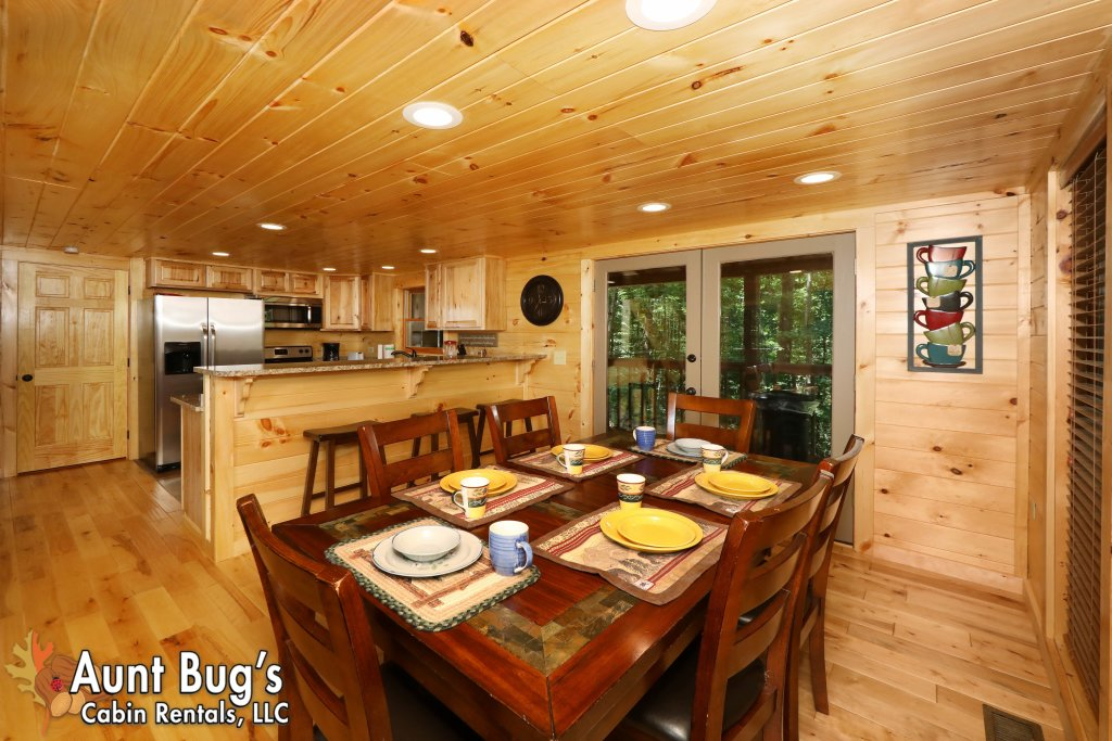 Photo of a Sevierville Cabin named A Secluded Retreat #216 - This is the fourth photo in the set.
