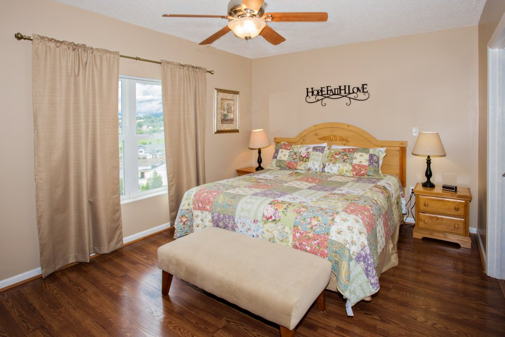 Photo of a Pigeon Forge Condo named Whispering Pines 102hc - This is the sixth photo in the set.