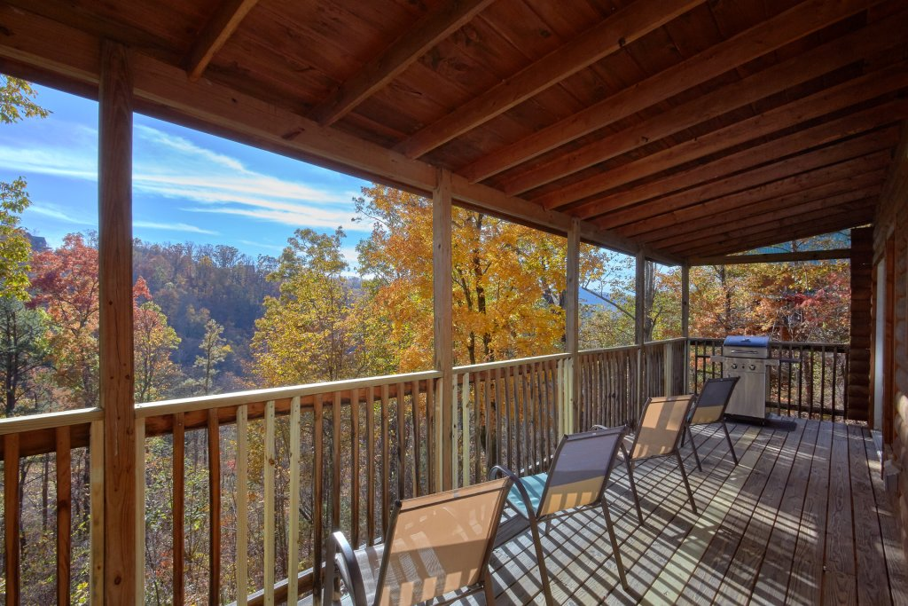Photo of a Pigeon Forge Cabin named Big Pine Lodge - This is the fifth photo in the set.