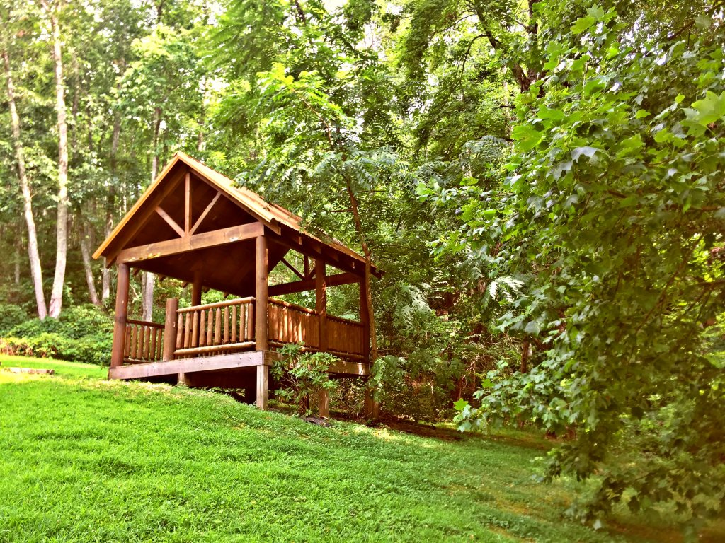 Photo of a Sevierville Cabin named Majestic Sunset Lodge - This is the fifty-third photo in the set.
