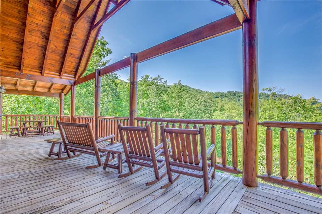 Photo of a Sevierville Cabin named Majestic Sunset Lodge - This is the forty-fifth photo in the set.
