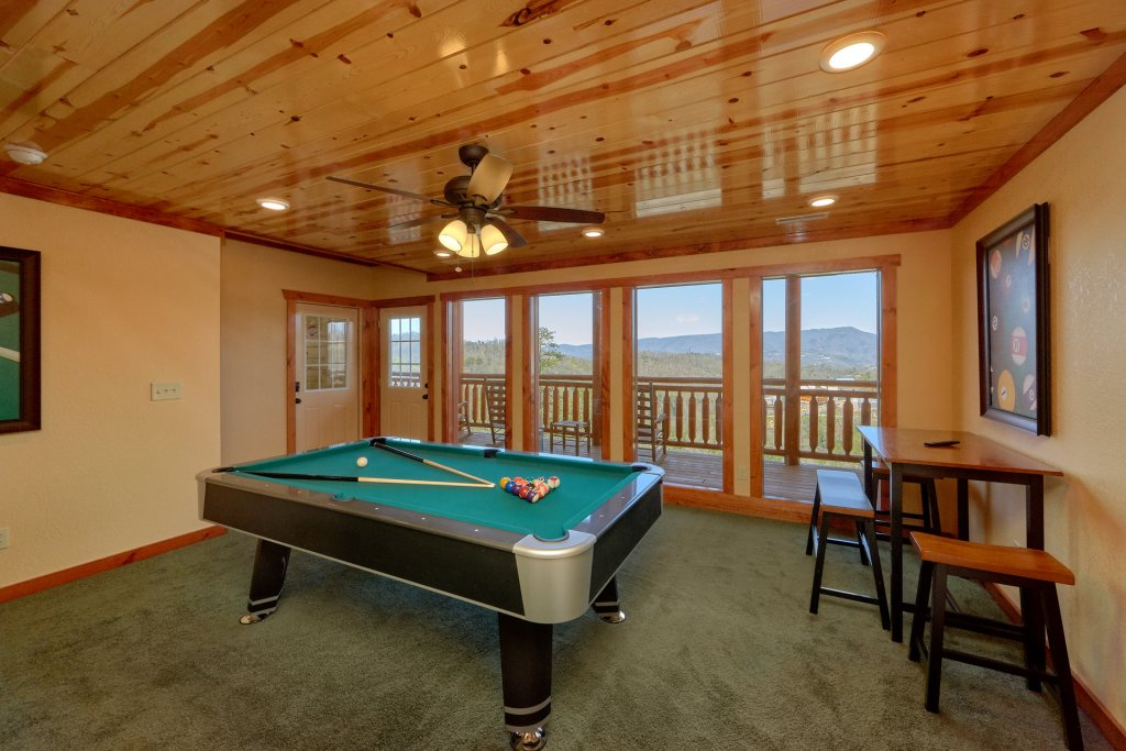 Photo of a Pigeon Forge Cabin named Summit Pool Lodge - This is the seventh photo in the set.