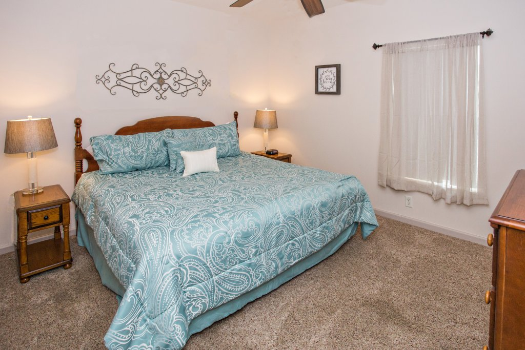 Photo of a Pigeon Forge Condo named Whispering Pines 132 - This is the twenty-second photo in the set.