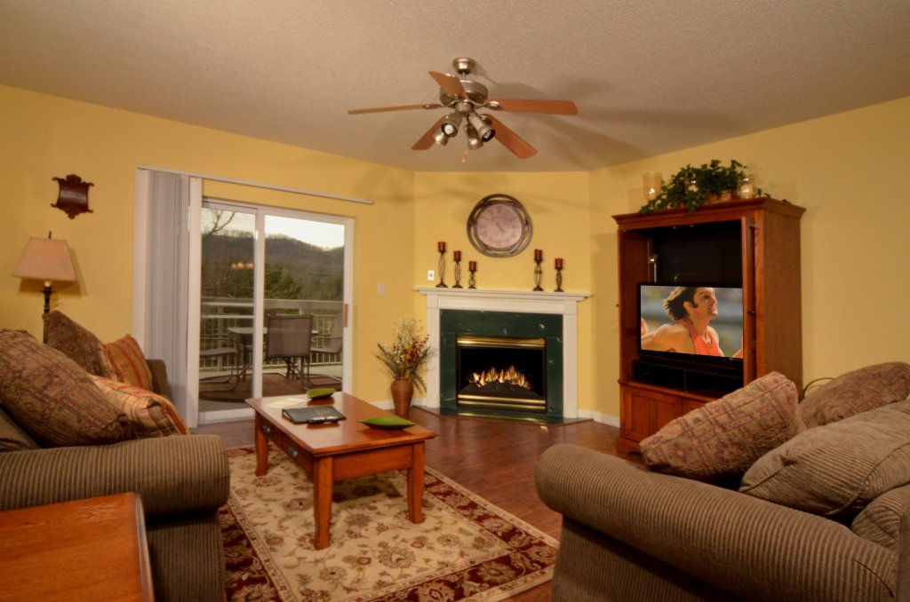 Photo of a Pigeon Forge Condo named Whispering Pines 523 - This is the first photo in the set.
