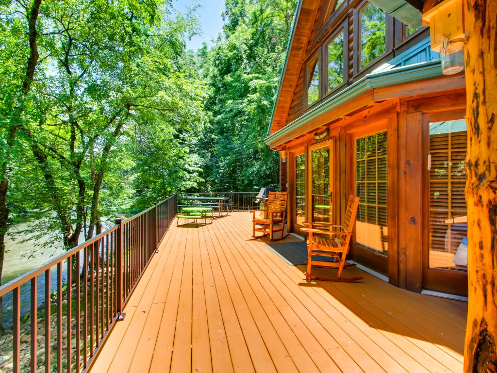 Photo of a Pigeon Forge Cabin named A River Adventure #4237 - This is the first photo in the set.