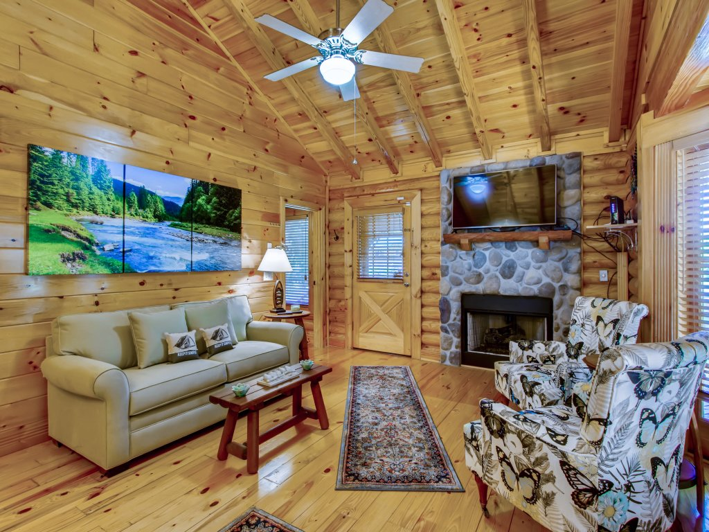 Photo of a Pigeon Forge Cabin named A River Adventure #4237 - This is the eighth photo in the set.