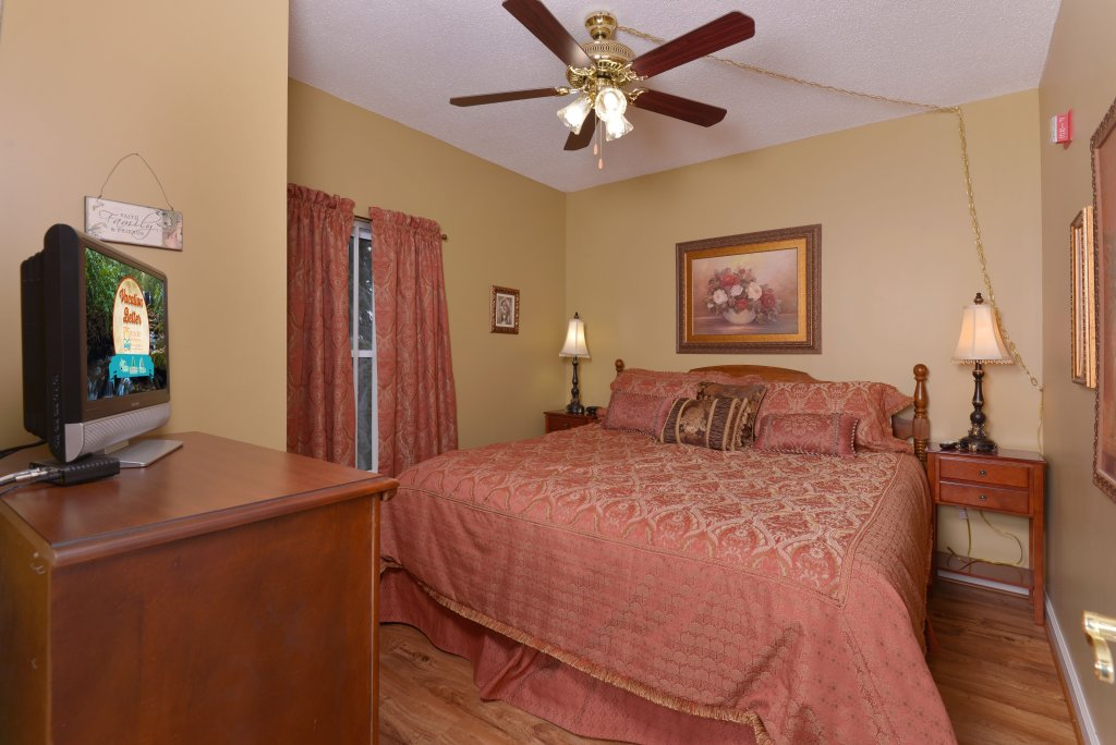 Photo of a Pigeon Forge Condo named Whispering Pines 331 - This is the twenty-first photo in the set.