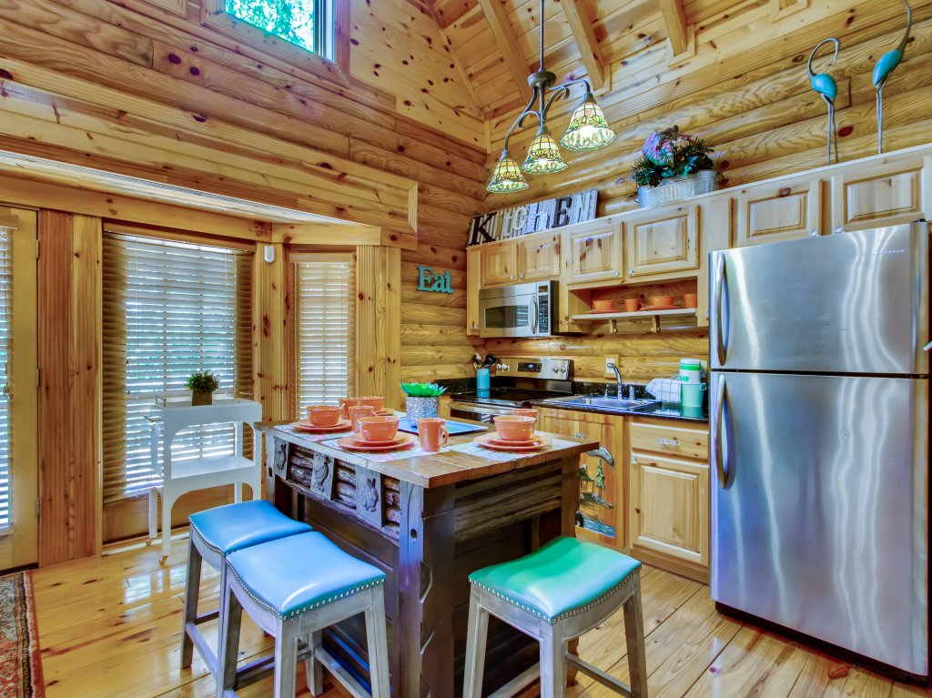 Photo of a Pigeon Forge Cabin named A River Adventure #4237 - This is the thirty-first photo in the set.