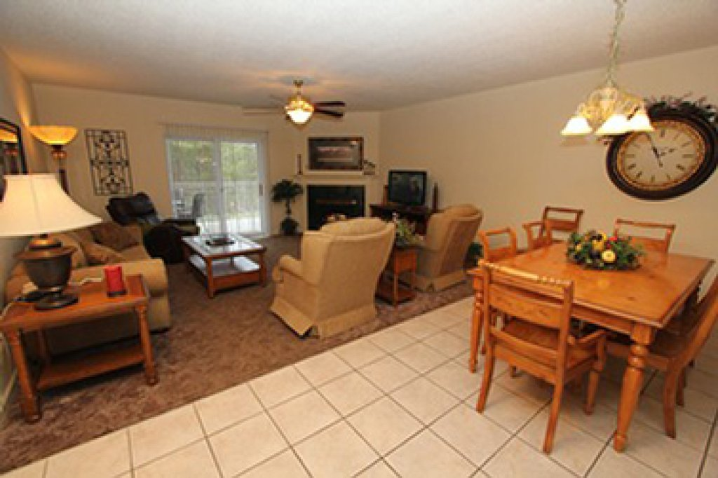 Photo of a Pigeon Forge Condo named Whispering Pines 614 - This is the second photo in the set.