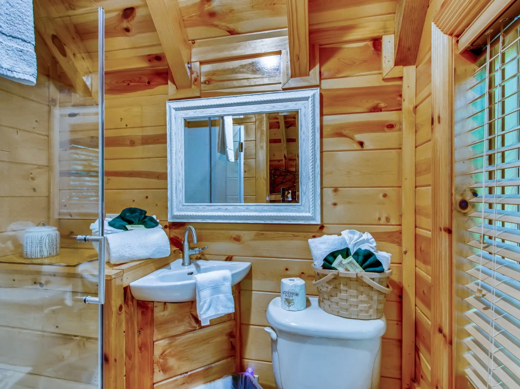 Photo of a Pigeon Forge Cabin named A River Adventure #4237 - This is the thirty-seventh photo in the set.