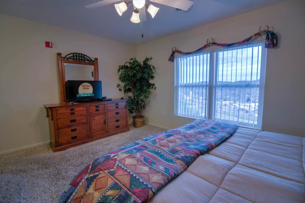 Photo of a Pigeon Forge Condo named Whispering Pines 253 - This is the twenty-ninth photo in the set.