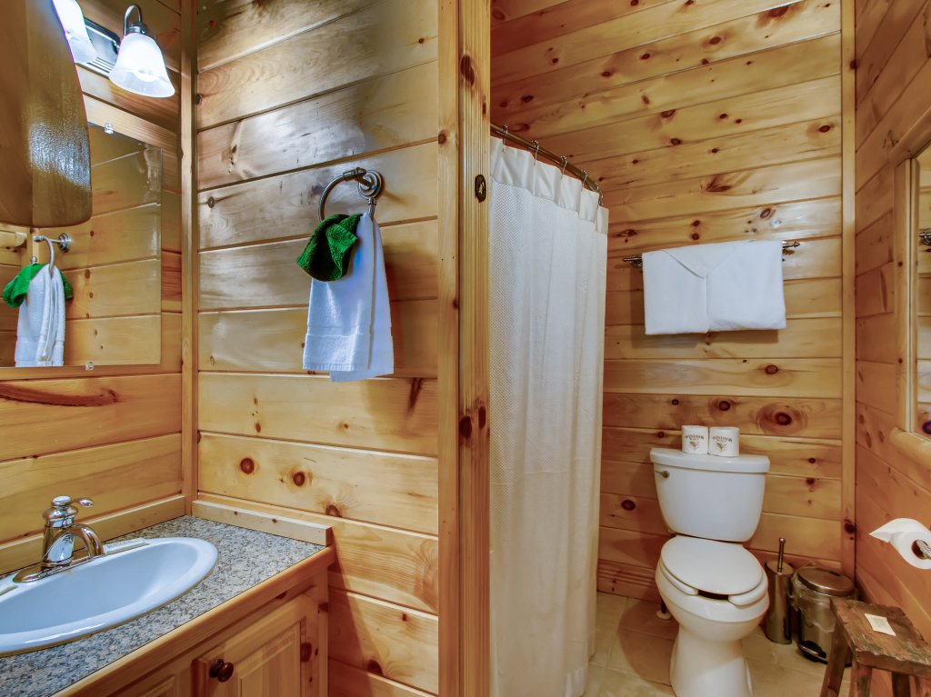 Photo of a Pigeon Forge Cabin named A River Adventure #4237 - This is the forty-second photo in the set.