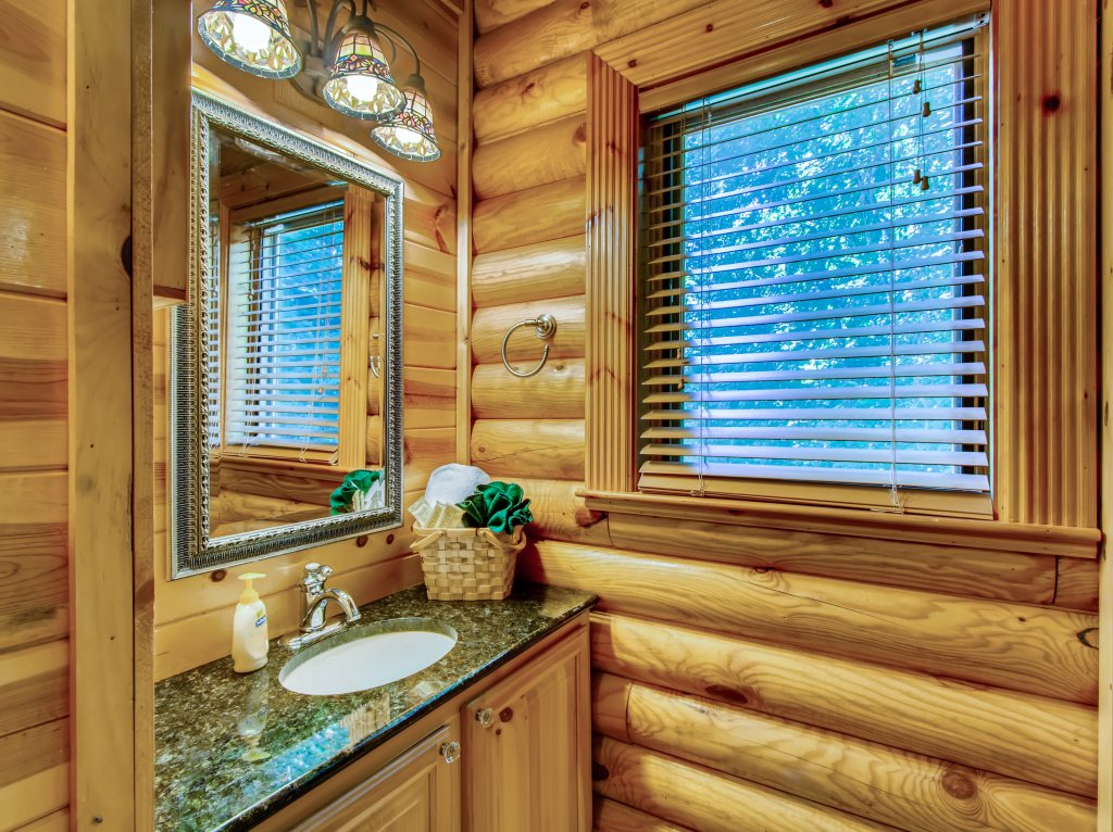 Photo of a Pigeon Forge Cabin named A River Adventure #4237 - This is the thirty-fourth photo in the set.