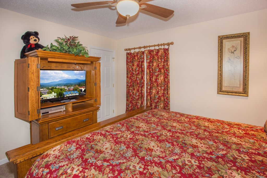 Photo of a Pigeon Forge Condo named Whispering Pines 553 - This is the sixteenth photo in the set.