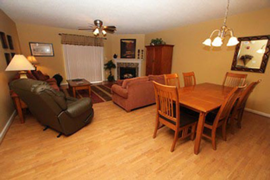 Photo of a Pigeon Forge Condo named Whispering Pines 644 - This is the second photo in the set.