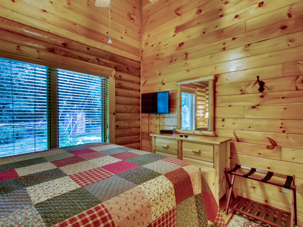 Photo of a Pigeon Forge Cabin named A River Adventure #4237 - This is the twenty-first photo in the set.