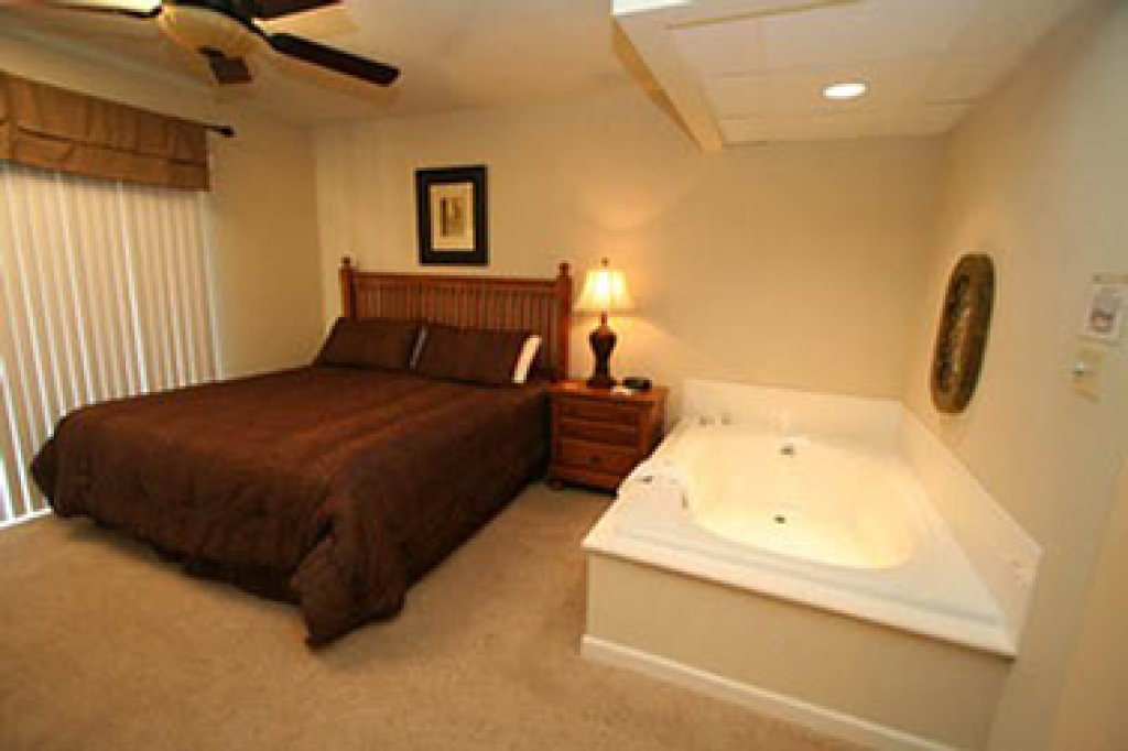 Photo of a Pigeon Forge Condo named Cedar Lodge 605 - This is the fifteenth photo in the set.