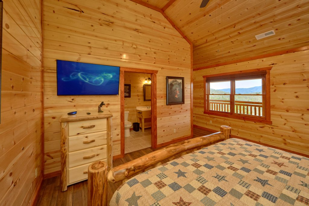 Photo of a Pigeon Forge Cabin named Summit Pool Lodge - This is the sixteenth photo in the set.