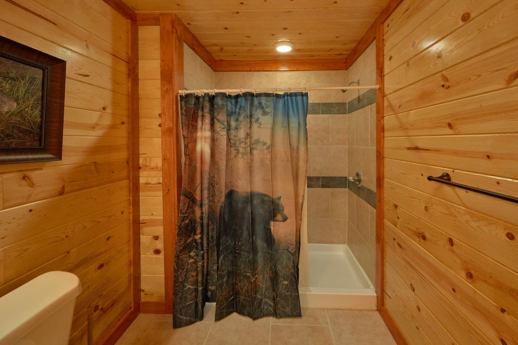 Photo of a Pigeon Forge Cabin named Summit Pool Lodge - This is the seventeenth photo in the set.