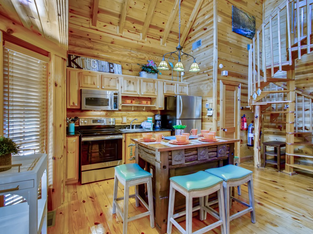 Photo of a Pigeon Forge Cabin named A River Adventure #4237 - This is the thirtieth photo in the set.