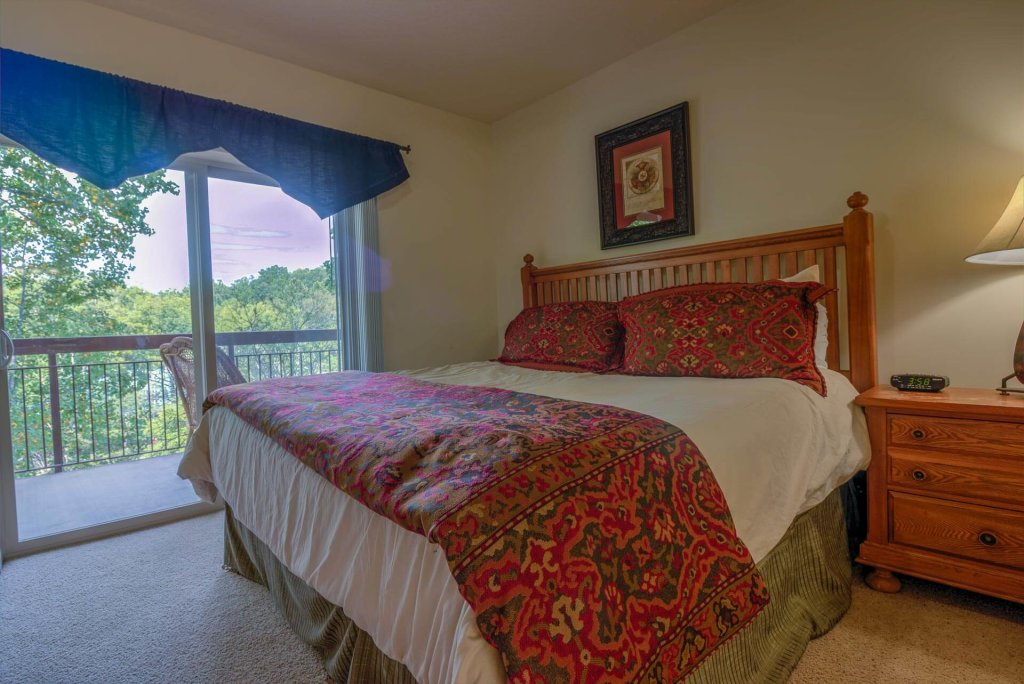 Photo of a Pigeon Forge Condo named Cedar Lodge 405 - This is the nineteenth photo in the set.