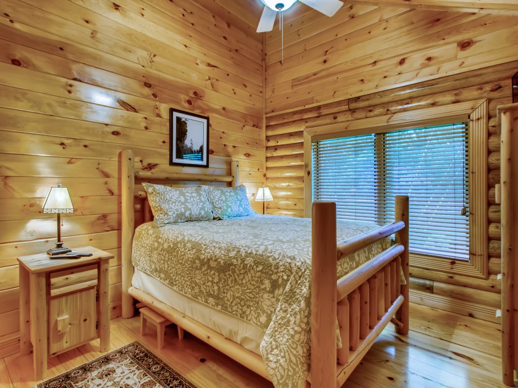 Photo of a Pigeon Forge Cabin named A River Adventure #4237 - This is the twenty-second photo in the set.