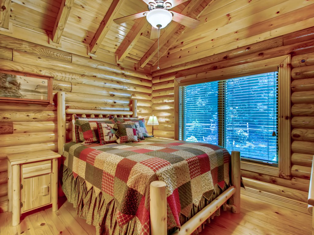 Photo of a Pigeon Forge Cabin named A River Adventure #4237 - This is the fourteenth photo in the set.