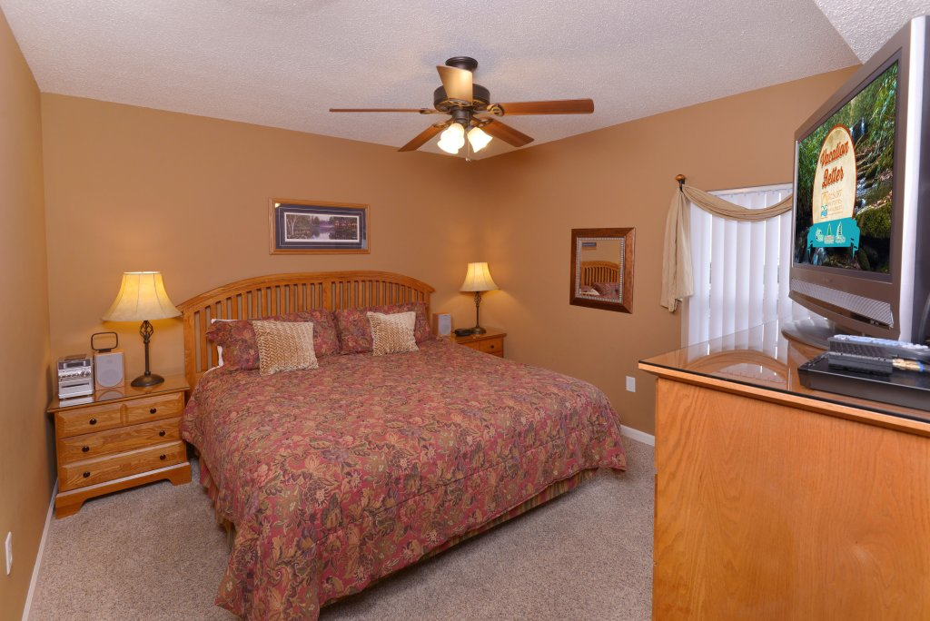 Photo of a Pigeon Forge Condo named Whispering Pines 613 - This is the sixteenth photo in the set.