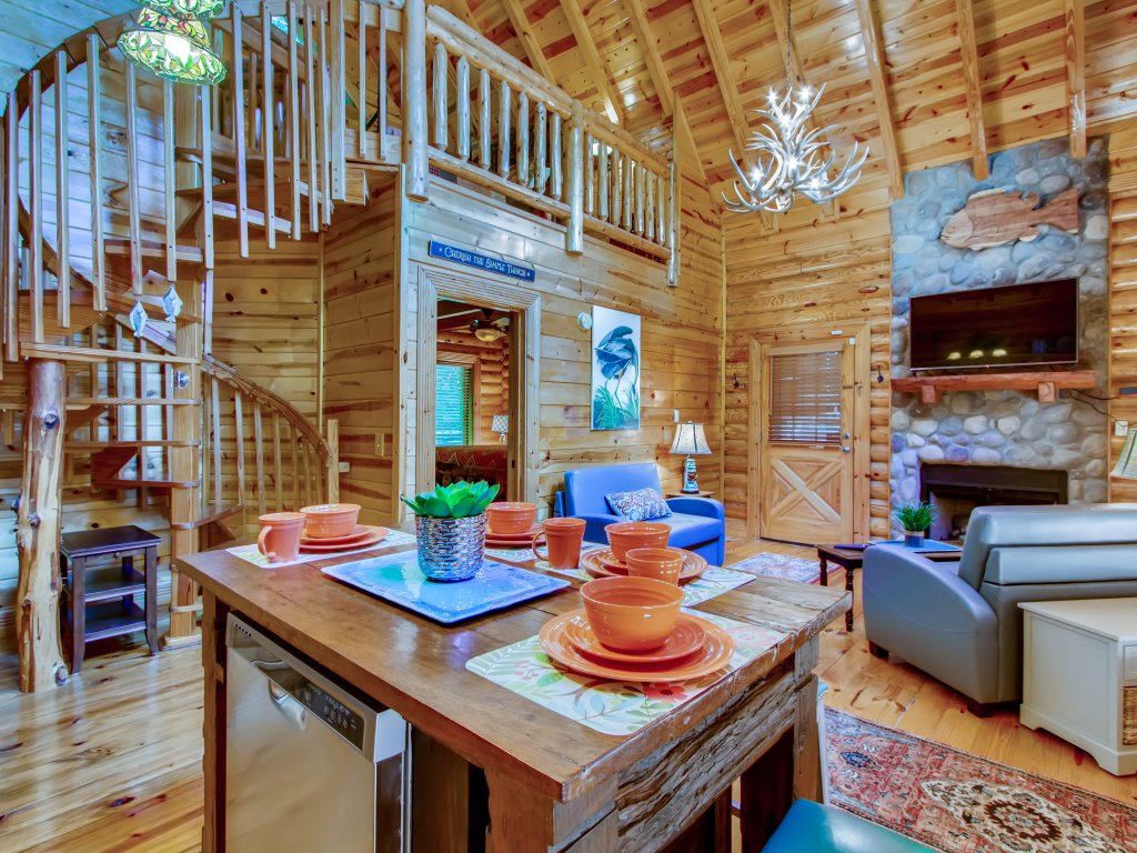Photo of a Pigeon Forge Cabin named A River Adventure #4237 - This is the thirty-second photo in the set.