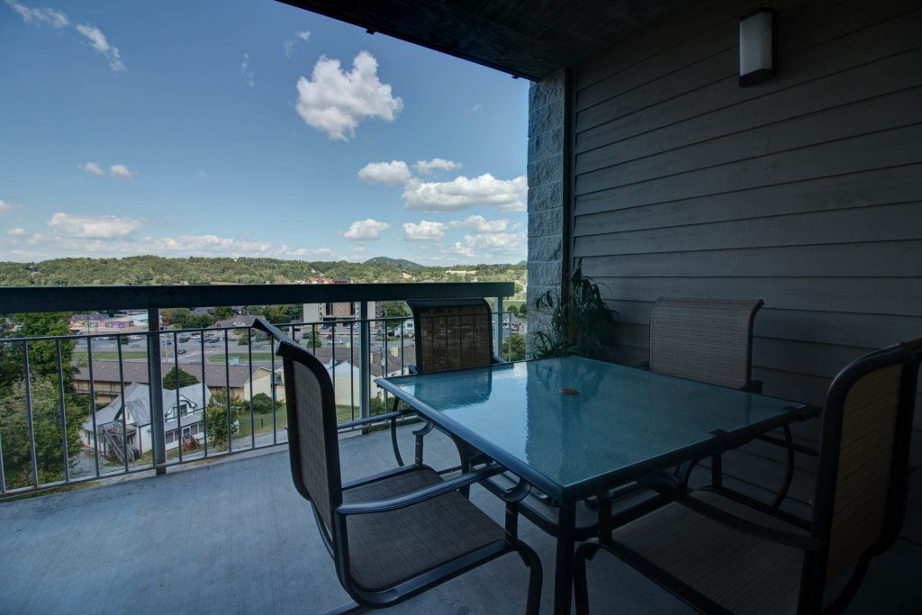 Photo of a Pigeon Forge Condo named Whispering Pines 214 - This is the fifteenth photo in the set.