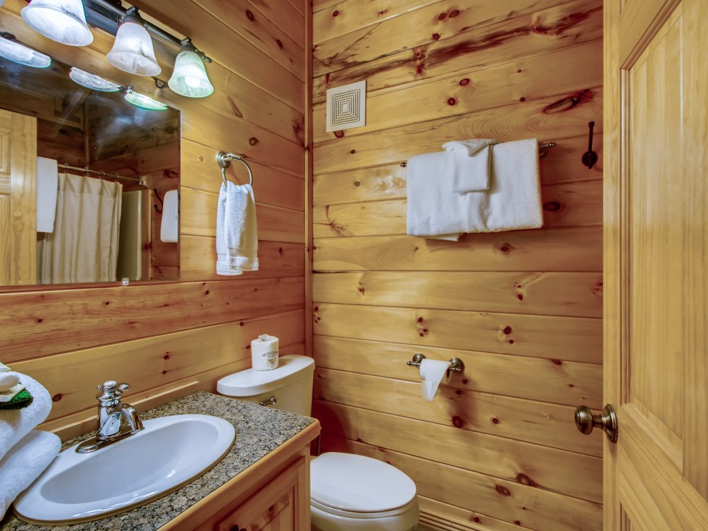 Photo of a Pigeon Forge Cabin named A River Adventure #4237 - This is the thirty-ninth photo in the set.