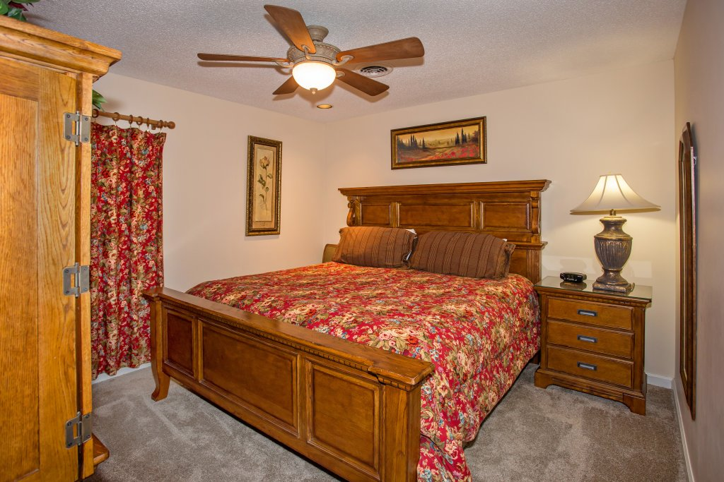 Photo of a Pigeon Forge Condo named Whispering Pines 553 - This is the fifteenth photo in the set.