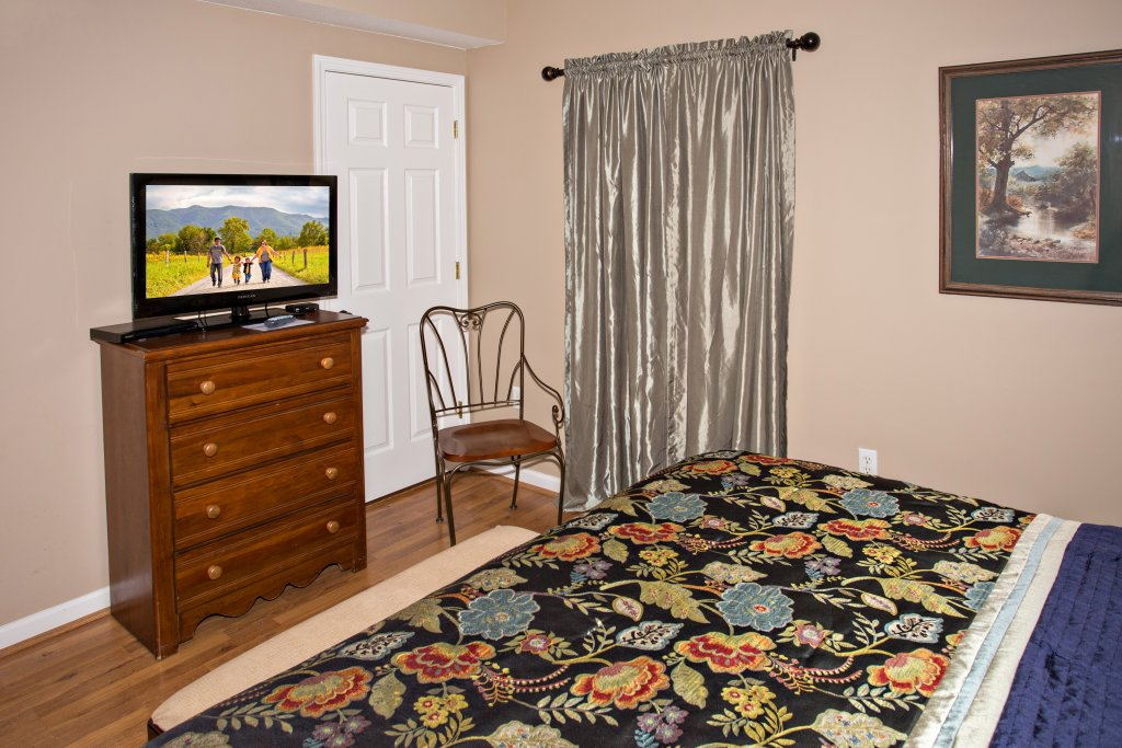 Photo of a Pigeon Forge Condo named Whispering Pines 222 - This is the twenty-third photo in the set.
