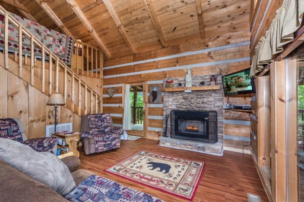 Photo of a Pigeon Forge Cabin named Simply Serene - 201 - This is the fifth photo in the set.