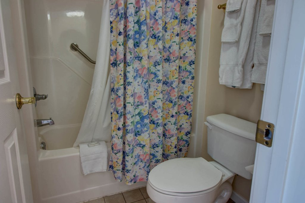 Photo of a Pigeon Forge Condo named Whispering Pines 354 - This is the twenty-fourth photo in the set.