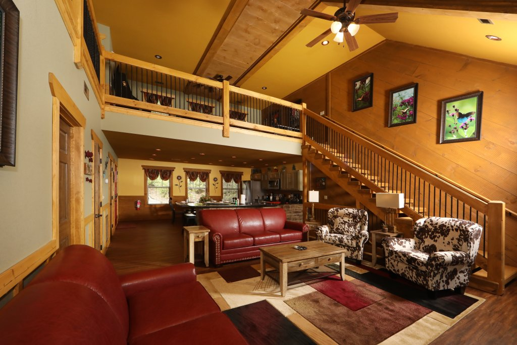 Photo of a Gatlinburg Cabin named Dive Right In - This is the eighth photo in the set.